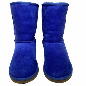 UGG® ✪ Classic Shearling Short Boot ✪ Bright Periwinkle Blue ✪ Size 6